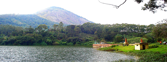 Kundala lake tourist places in munnar