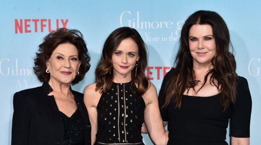 'Gilmore Girls : A Year in the Life' Season 2 Plot